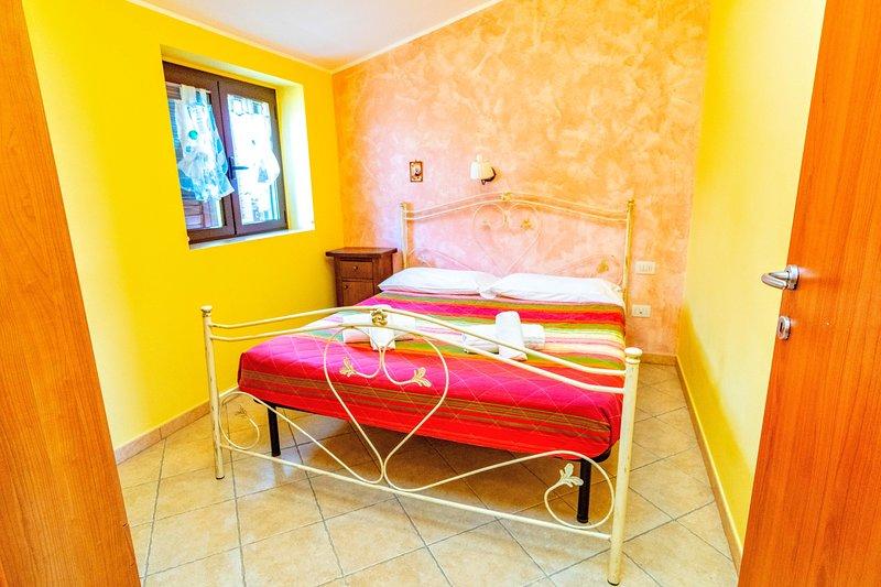 Appartamenti vicino al mare - Villa Mapa - Casa Girasole, vacation rental in Vieste