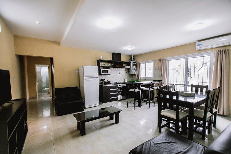 Apartamentos Edificio Boulevard, Premium 2 Dormitorios A, vacation rental in San Rafael