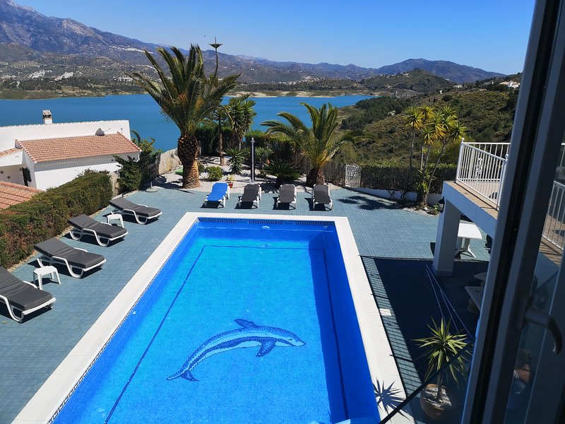 Casa Paraíso with views of Lake Viñuela & Mount Maroma. New on the Market 2017, holiday rental in Vinuela