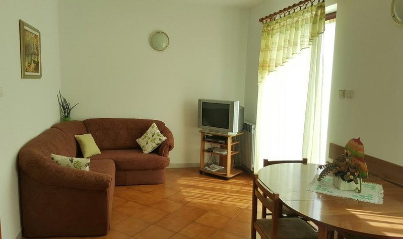 Holiday home 161774 - Holiday apartment 161473, holiday rental in Pobri