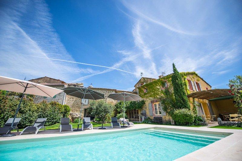 La Demeure de Cybele, Gite de charme en Drôme Provençale, casa vacanza a Reauville