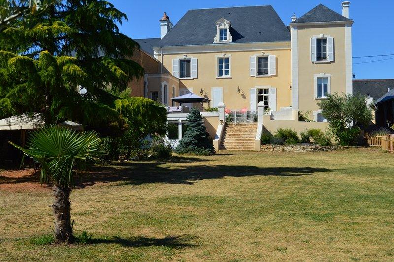 Maison d'hôte dans maison de Maître du 18ème, location de vacances à Aubigne-Racan