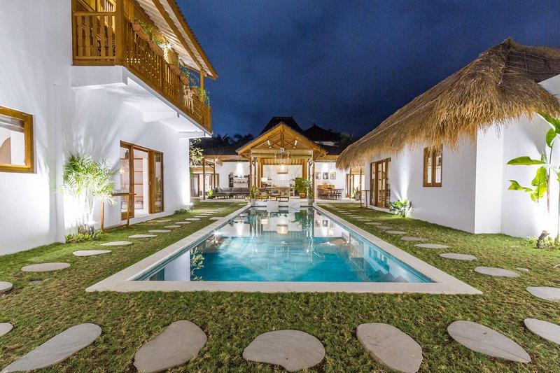 VILLA BAGERA, holiday rental in Kerobokan Kelod