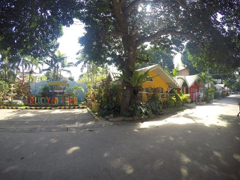 Lucky Garden 2 bedroom House, holiday rental in Puerto Princesa