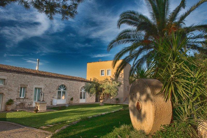 Villa Santa Margherita, vacation rental in Licodia Eubea