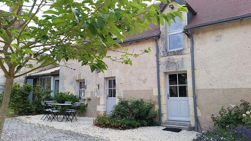 La Barillère, gîte 3 étoiles, 3 chambres, piscine, casa vacanza a Ferriere-Larcon