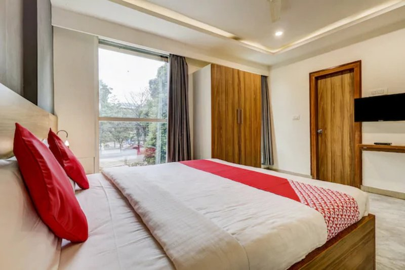 CANVAS SUITES - OPP. HSR LAYOUT - OUTER RING ROAD, holiday rental in Harohalli
