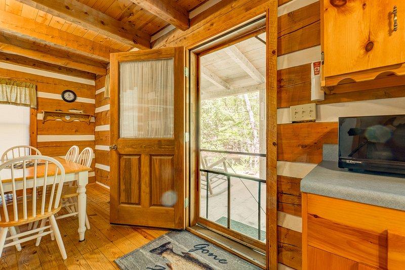 Creekside Bliss relaxing creekside retreat, vacation rental in Cosby