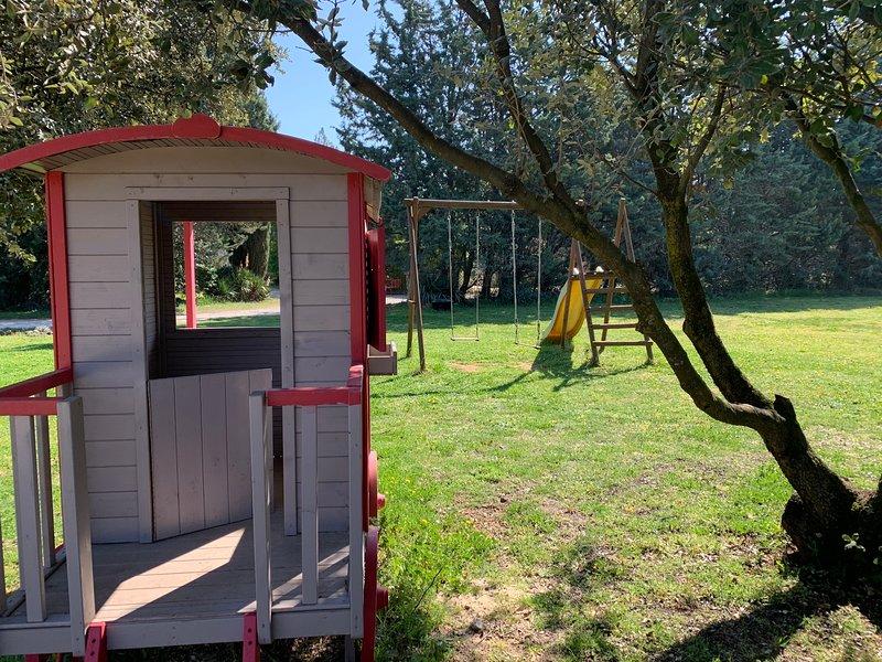 La Maison du Bonheur 10 couchages, piscines, parc, vacation rental in Carpentras