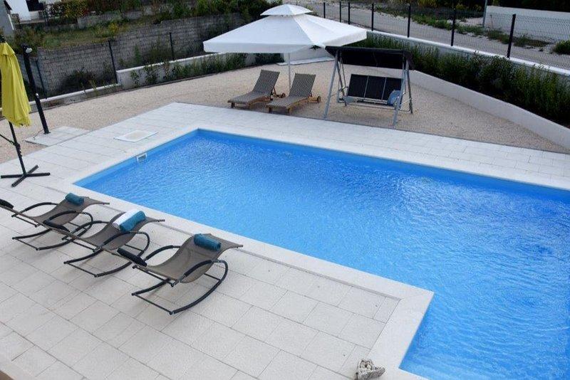 Villa Donata with Private Pool, casa vacanza a Pridraga