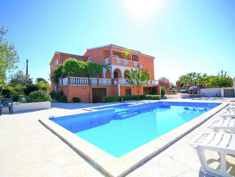Villa Zigun with Private Pool, vacation rental in Policnik