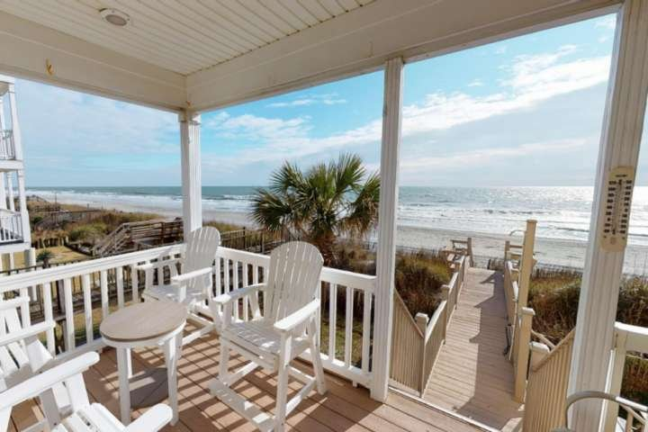 'Bella Alba' Perfect Surfside Beach Oceanfront Location. Parking for 4 Cars, holiday rental in Surfside Beach