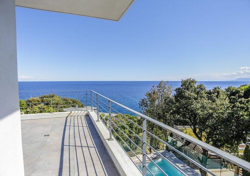 Casa Dalessio 2 - Superbe Villa Piscine Vue Mer, holiday rental in Ogliastro
