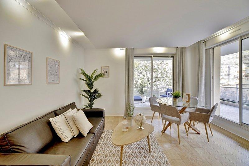 Le Bienheureux, Beau T2 en plein centre avec grande Terrasse, vacation rental in Bruges