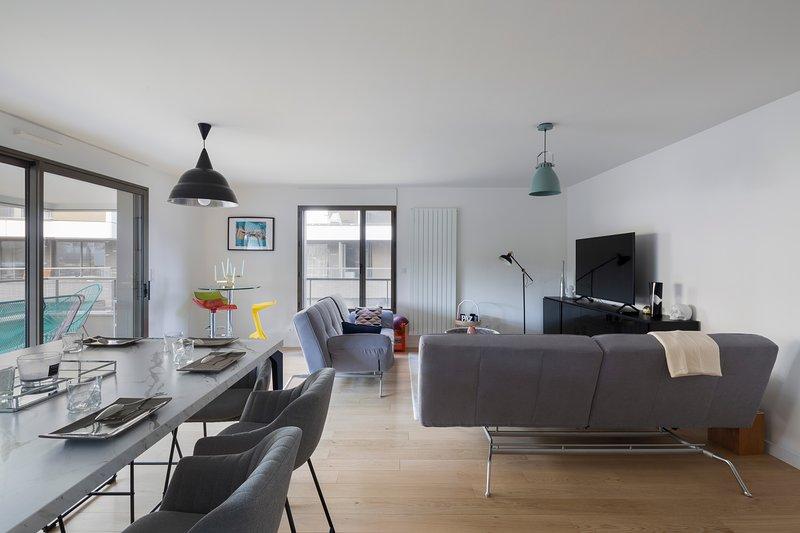 LE CIPRIANI - Apt 80m² avec 2 chambres et parking, holiday rental in Saint-Sulpice-la-Foret