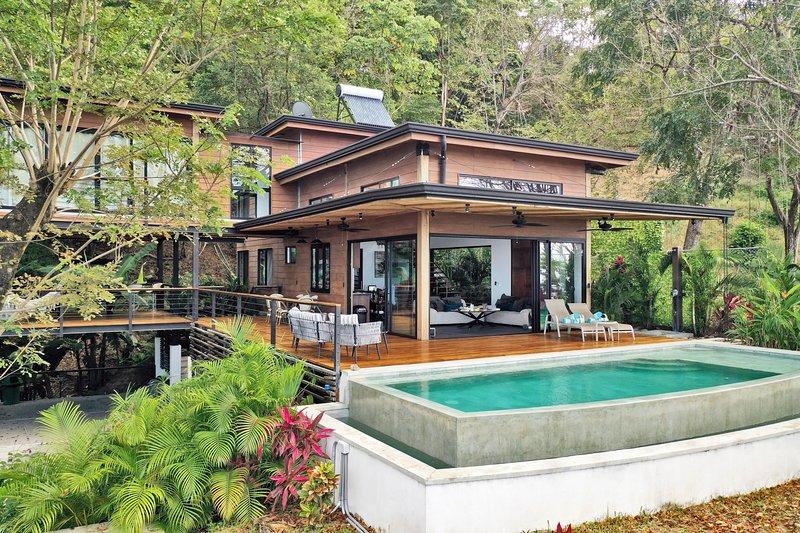 Villa Ebony, vacation rental in Santa Teresa