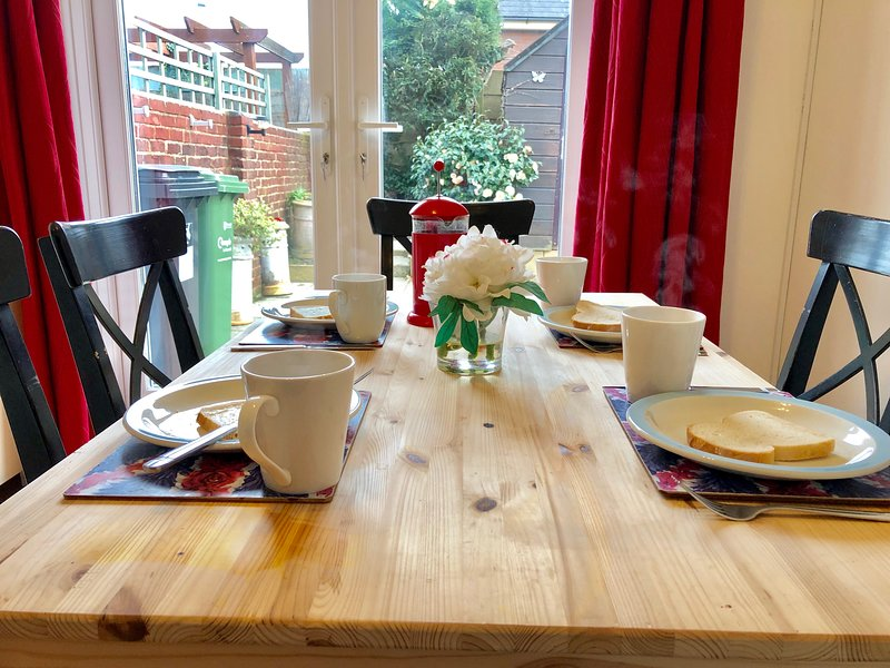 Little Connaught House, holiday rental in Portsmouth