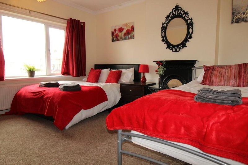 Dryden House, holiday rental in Ault Hucknall