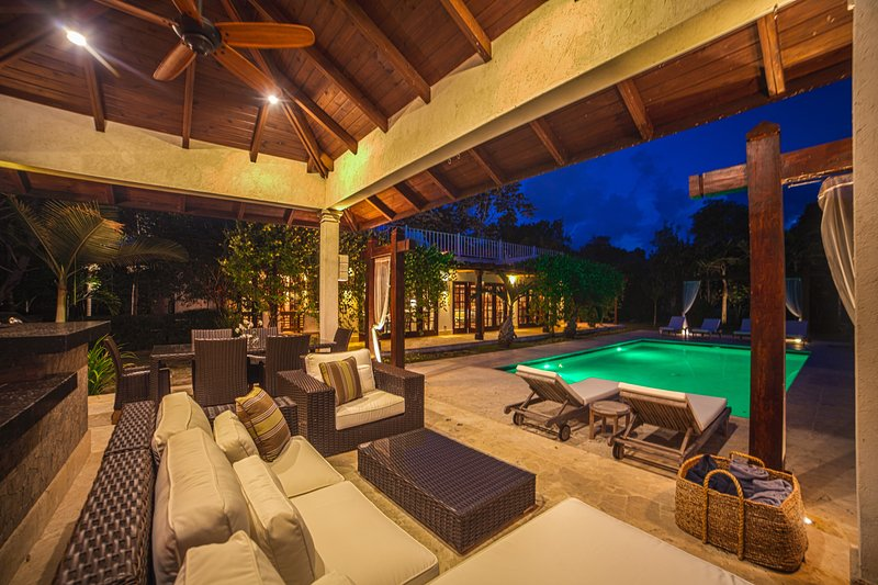 Villa Sky - Amazing golf-front 4-bedroom villa in Puntacana Resort & Club, holiday rental in Bavaro