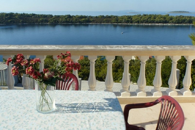 Mari A2(4) - Cove Karbuni (Blato), holiday rental in Vela Luka
