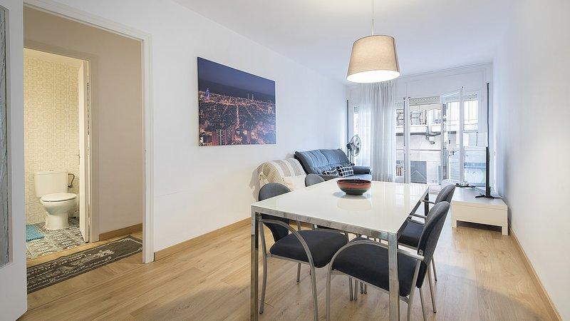 R68-1 Apartamento de dos dormitorios 50 m de la playa, holiday rental in Calafell