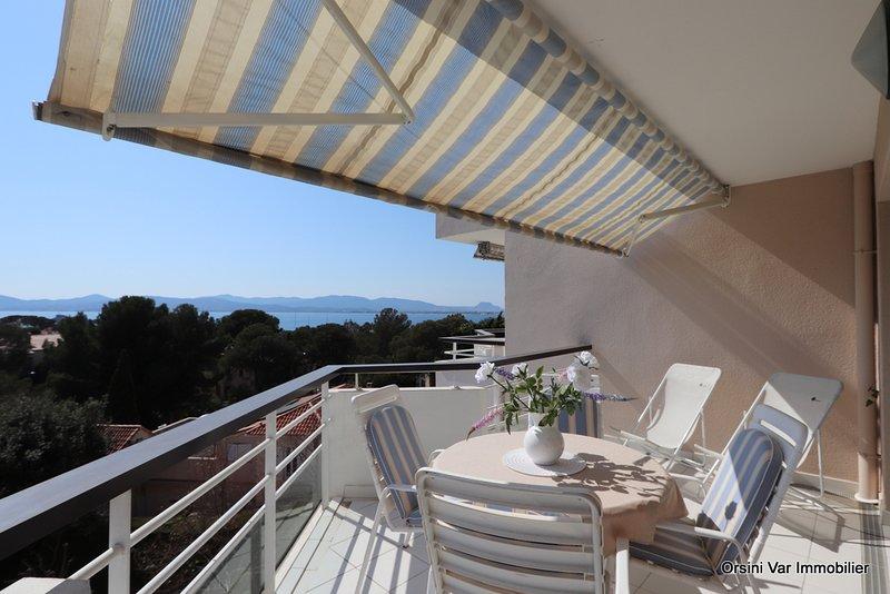 Terrasse avec vue mer au dernier étage