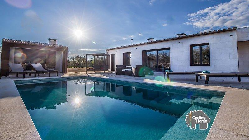 Villa Ses Nines, pool, nature and tranquility., Ferienwohnung in Santa Margalida