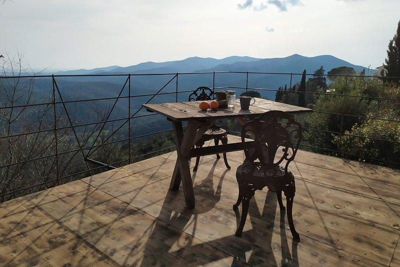 Private view deck outside Casetta La Farfalla