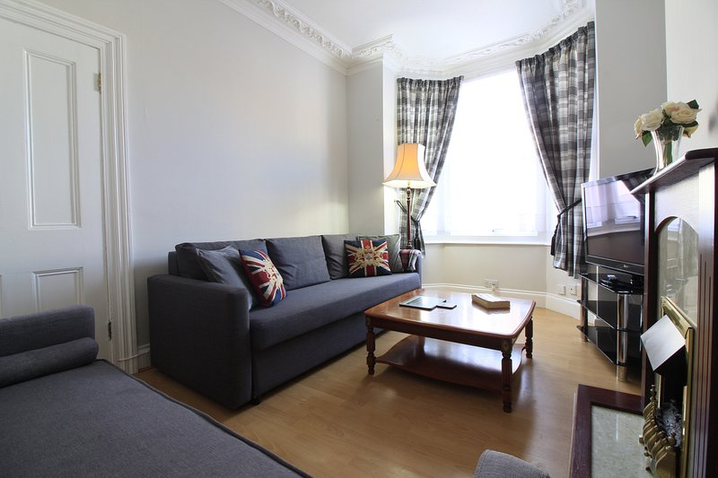 Thirty Barons House, holiday rental in Portsmouth