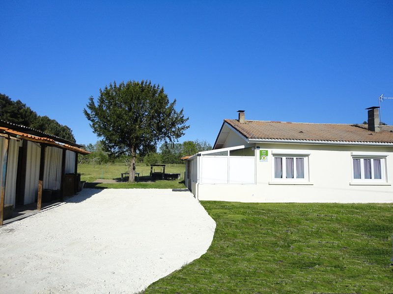Gîte  les  placottes, holiday rental in Saint-Mariens