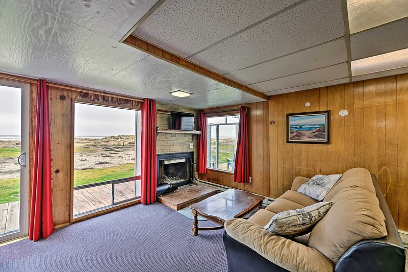 This 2-bedroom, 1-bath vacation rental resides in Waldport!