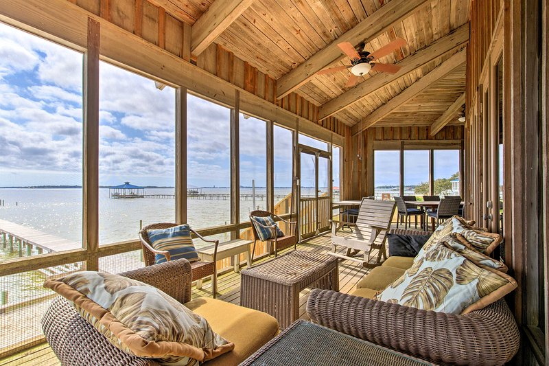 Waterfront Home on Perdido Bay: Private Dock, View, holiday rental in Elberta