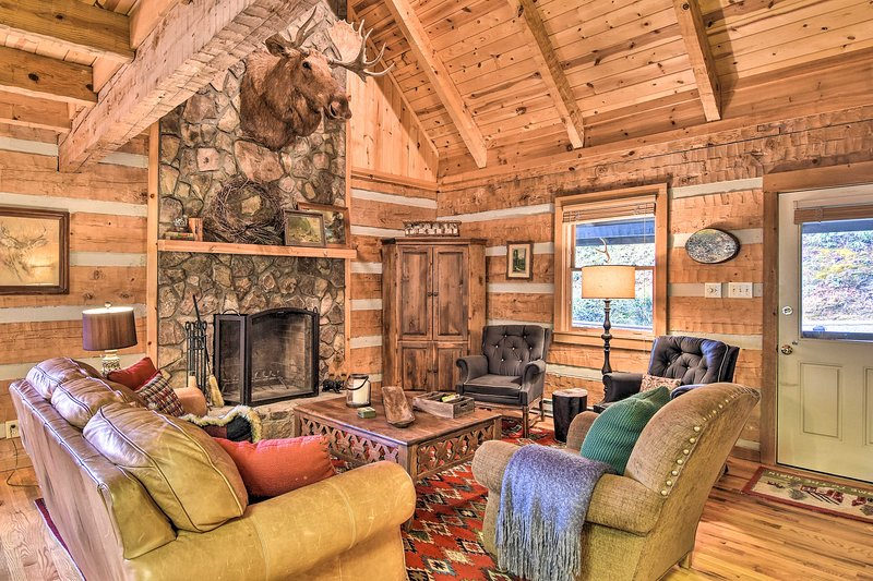 NEW! Scenic Cabin w/ 2 Fishing Ponds & Pool Table!, vacation rental in Seven Devils
