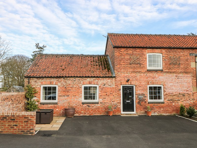 Swan Cottage, York, holiday rental in Wigginton