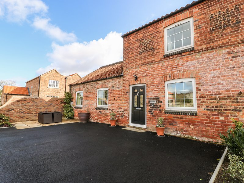 Swan Cottage, York, holiday rental in Sheriff Hutton