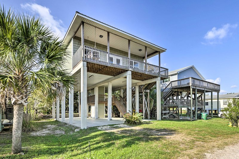 Family-Friendly Waterfront Oasis ~7 Miles to Beach, vacation rental in Panacea