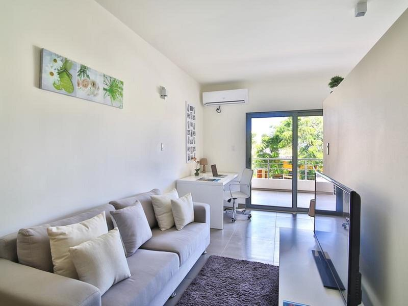 Modern studio close to the Mullet beach, alquiler de vacaciones en Mullet Bay