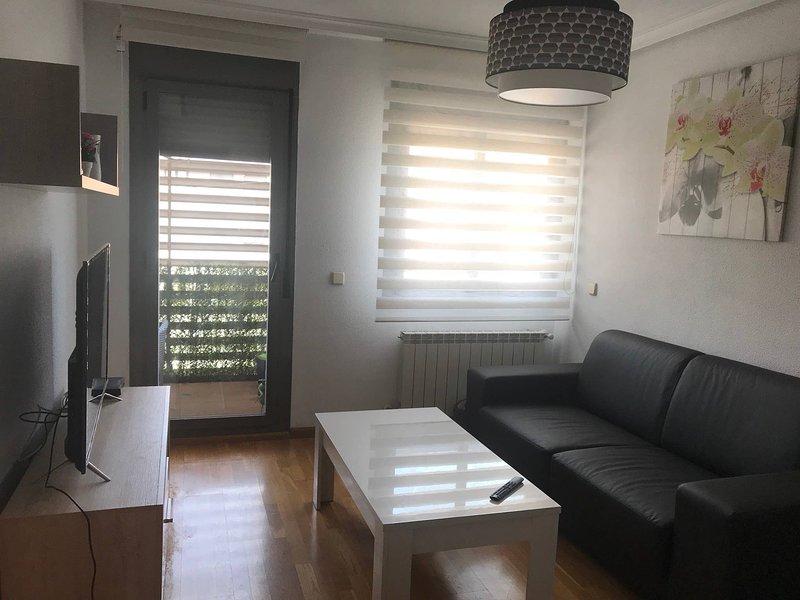 Apartamento En Madrid Situado Cerca De Metro Y Autobus, location de vacances à Vaciamadrid