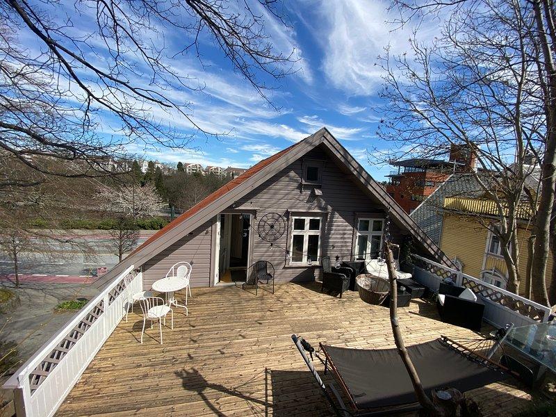 Nicolas Apartment 'Nice & Cozy' 3 Rooms Central, vacation rental in Rogaland