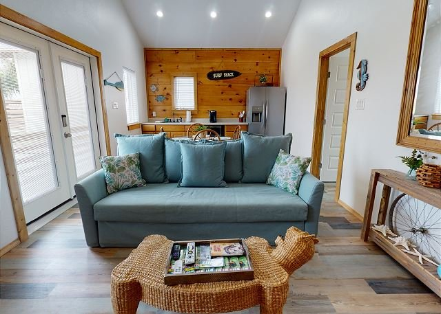 PFC114B: Cottage in Town, Shared Pool, Ample Parking, location de vacances à Port Aransas