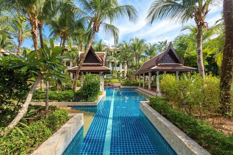 Kanika Residence - BangTao beachfront living, pools, gardens, BBQ., holiday rental in Cherngtalay