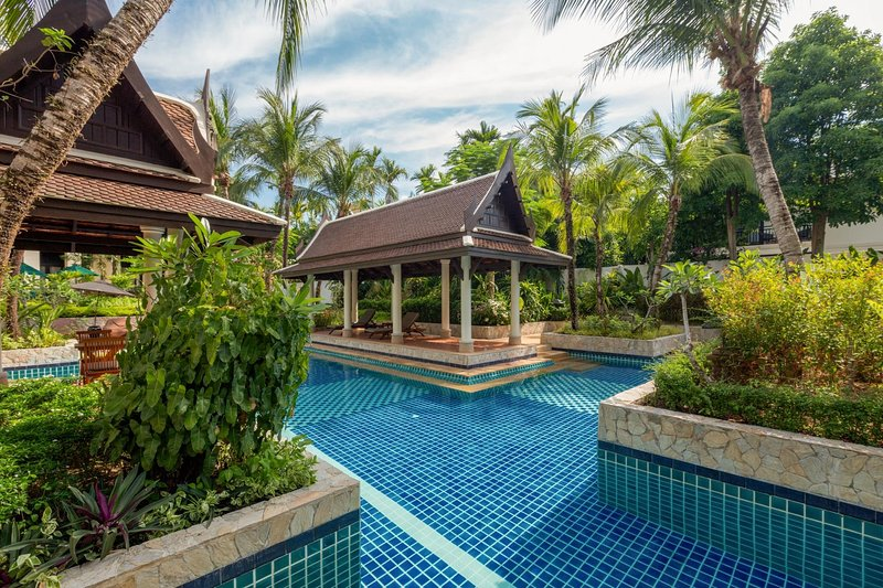 Kanika Residence - 100 meters to beach, 2 bdr, pool, gardens, holiday rental in Cherngtalay