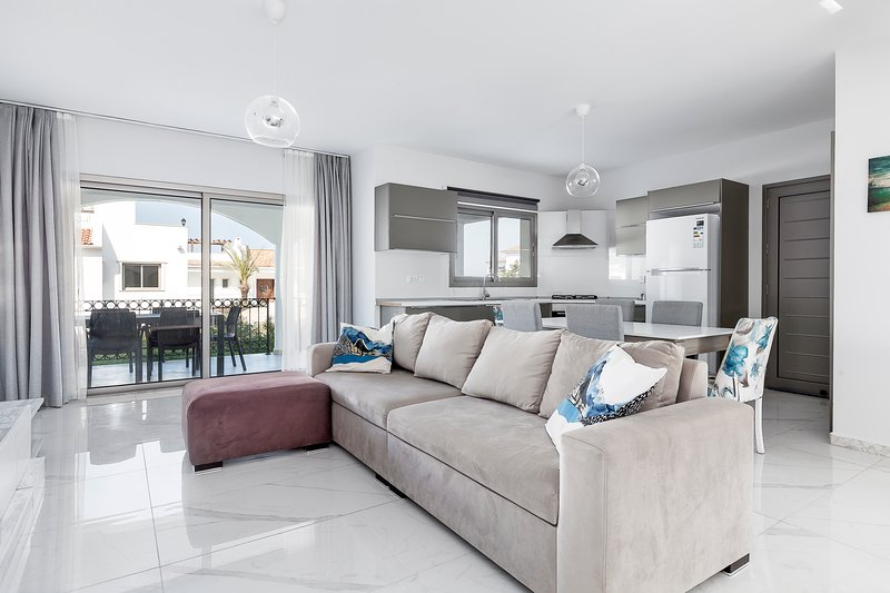Sea Magic Premium C2/1- 3 Bedroom, holiday rental in Agios Amvrosios