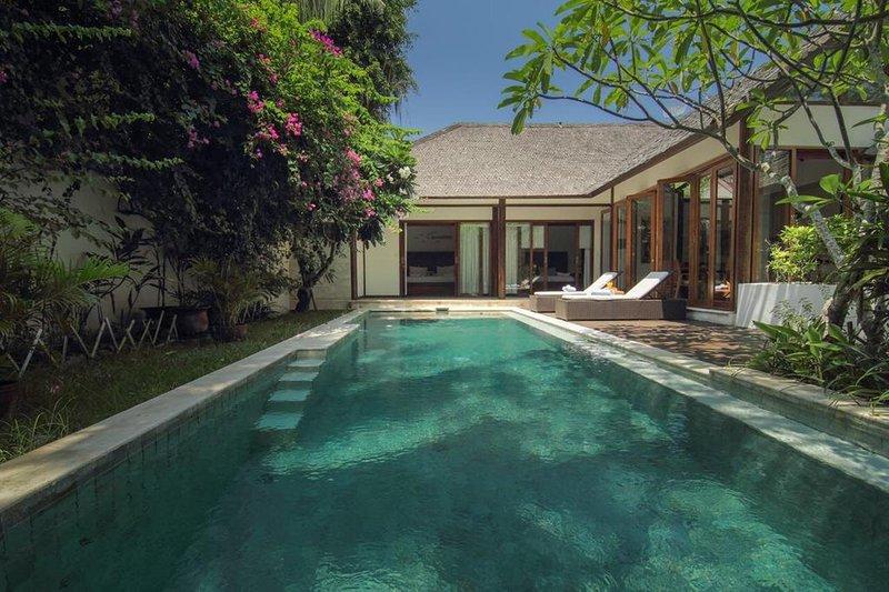 3 Bedroom Private Villa+Pool Ning-Aloo Walk-Beach, holiday rental in Gili Trawangan
