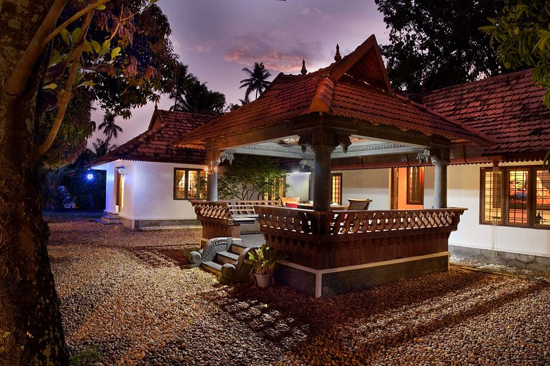 The Backwater Heritage by Vista Rooms, holiday rental in Alappuzha