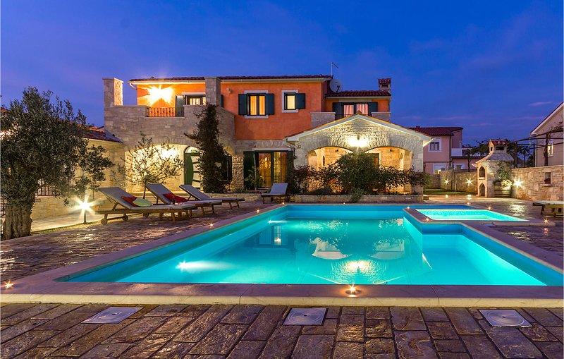Elegante villa aan de Zuidoostkust van Istrië (CIL655), holiday rental in Barbariga