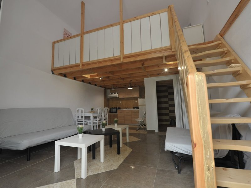 Frezia Apartments - Nea Potidea Halkidiki, holiday rental in Nea Potidea