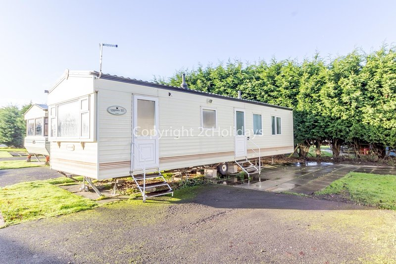 Great 8 berth caravan for hire at Southview Holiday Park, Skegness ref 33153ML, holiday rental in Friskney