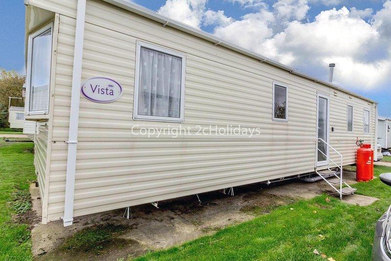 8 berth caravan for hire near Great Yarmouth at Broadland Sands ref 20184BS, location de vacances à Corton