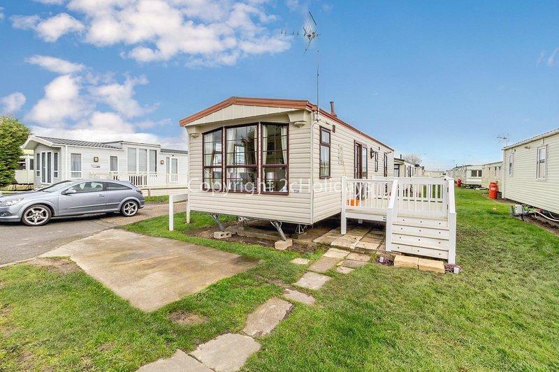 2 bedroom, 6 berth caravan St Osyth, Clacton-on-sea, Essex ref 28007FV, location de vacances à Little Clacton